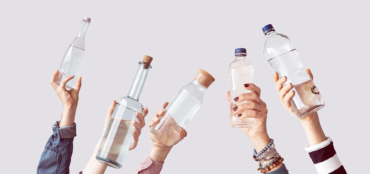 Bebe agua para mantenerte bien hidratado - Clínica Vilaboa en Madrid