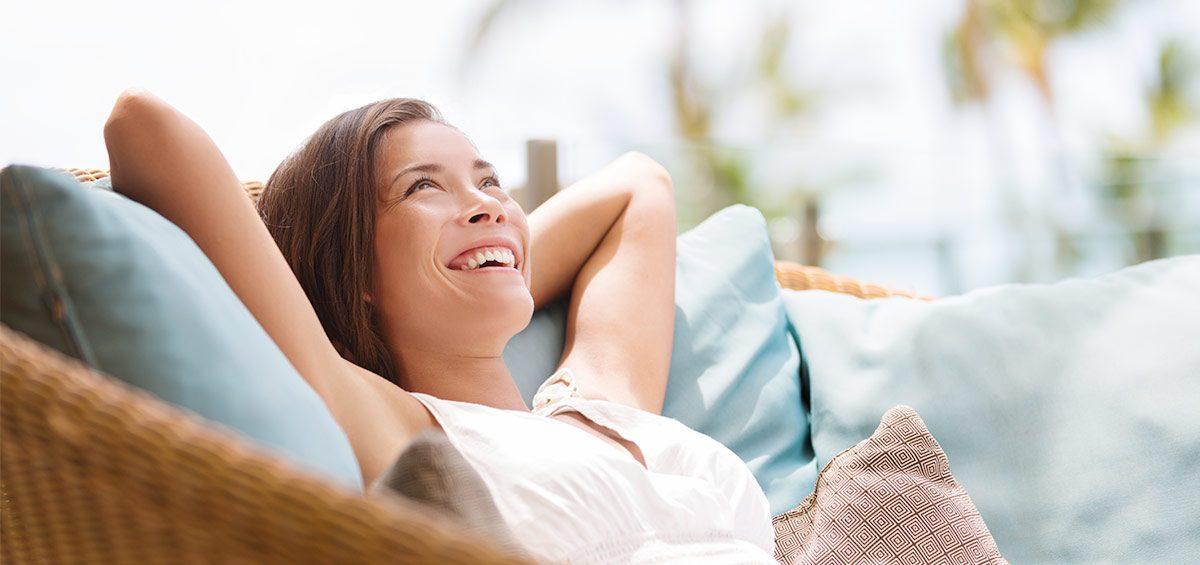 Consejos para cuidar tu sonrisa en vacaciones - Clínica Vilaboa en Madrid