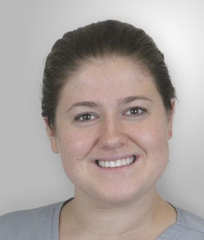 Adina Rizea, Auxiliar clínica