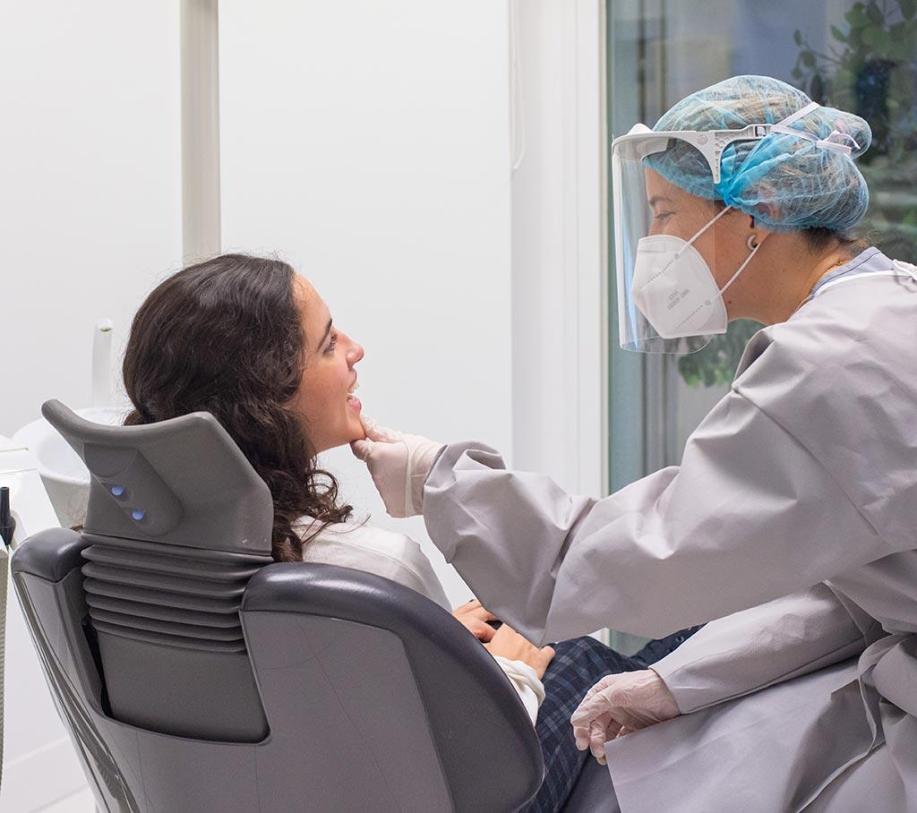 Cuidar la salud de las encías - Clínica Vilaboa